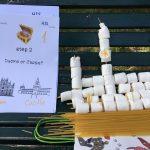 Un piccolo duomo di spaghetti e caramelleSchede semplici e materiali a sorpresa, per il successo del team building
